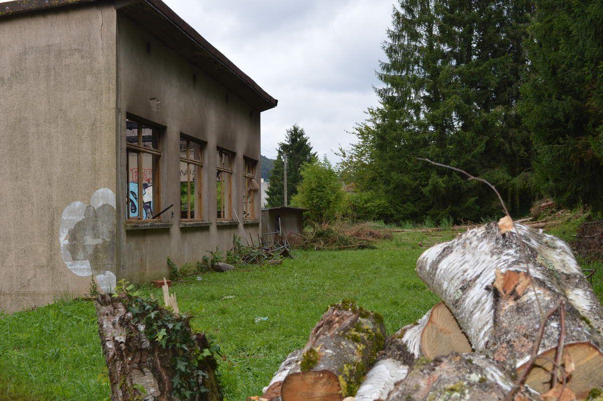 L'ancien foyer protestant ou salle FUCHS  détruit par le feu....