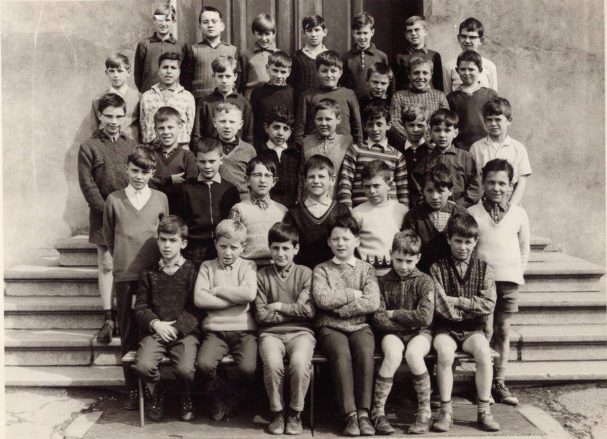 Classe de Cours Moyen 2ème année pour l'année scolaire 1961 - 1962