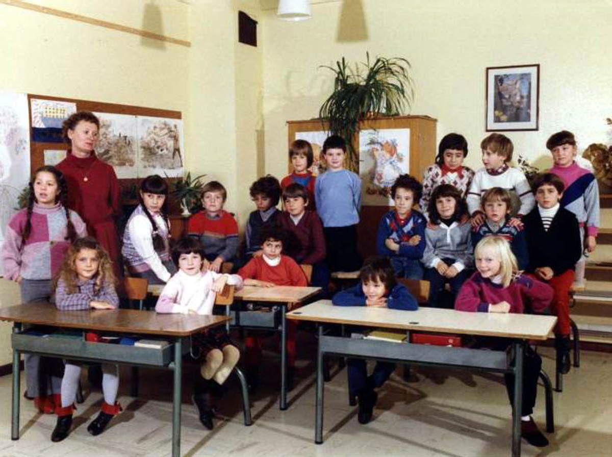 1983 - 1984 Cours Elémentaire 1ère année avec Me GOMI