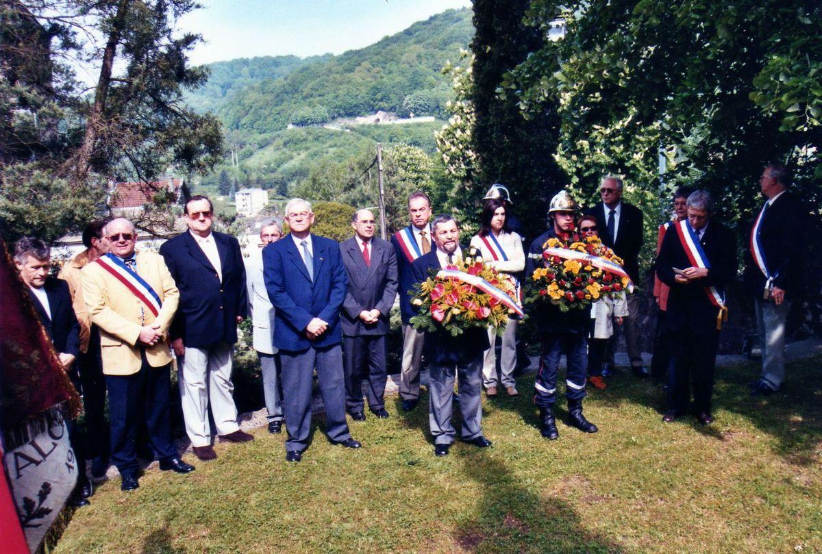 Commémoration du 8 mai en 2002 à Algrange