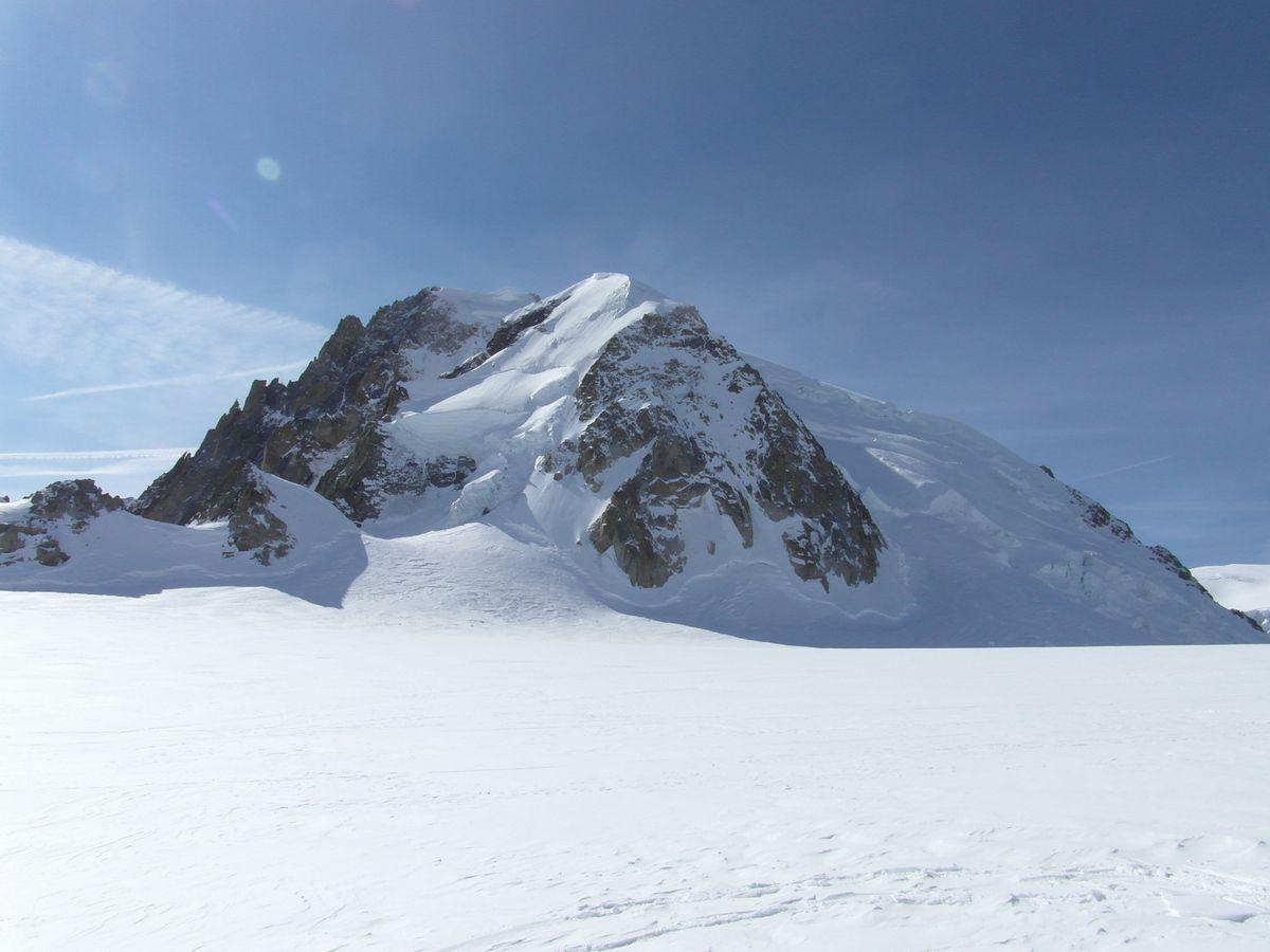 Mont-Blanc du Tacul, Arête des cosmiques, couloir Gervasutti, dent et col du Géant