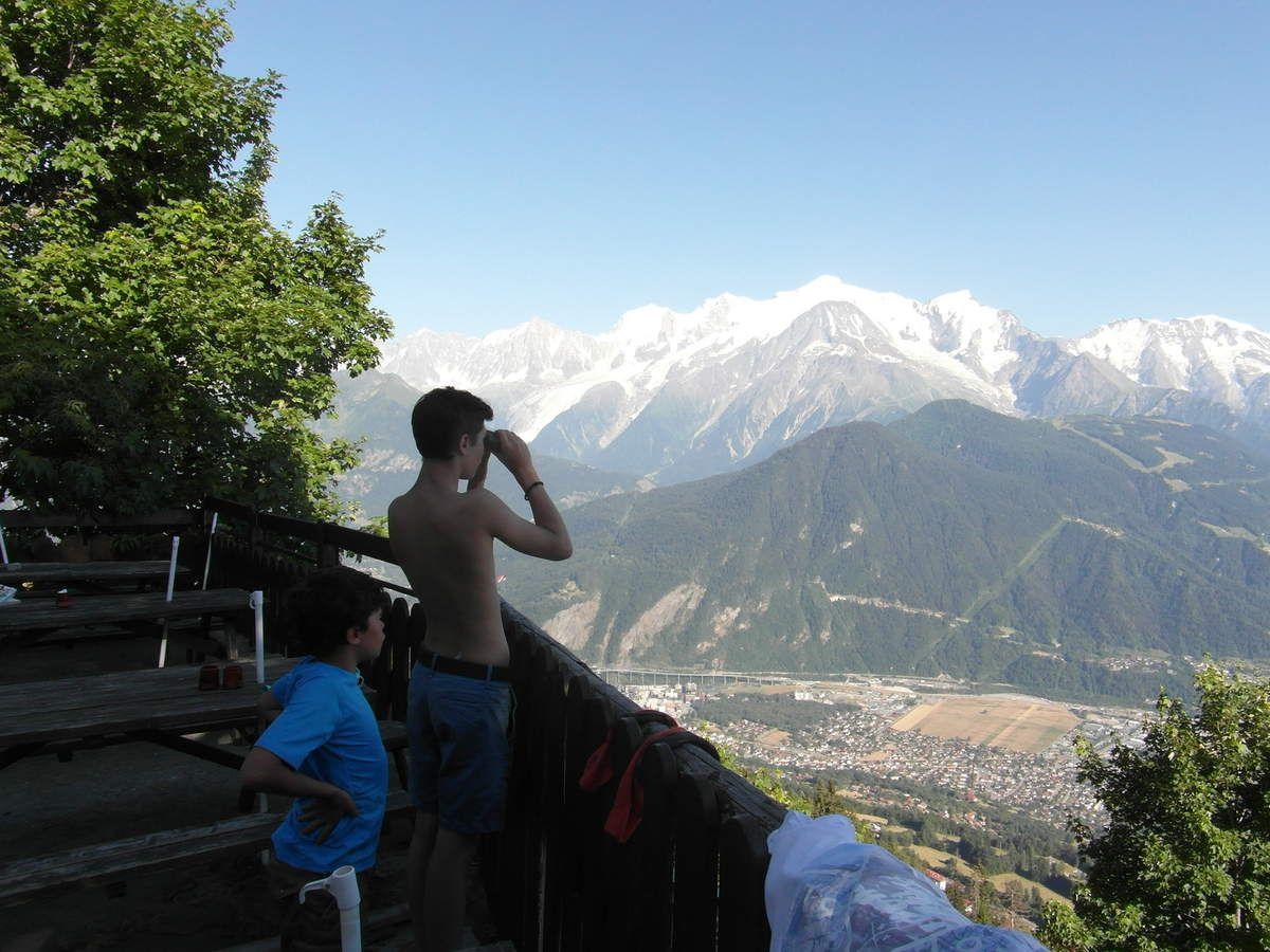 Superbe vue sur la vallée et le massif + détente !!