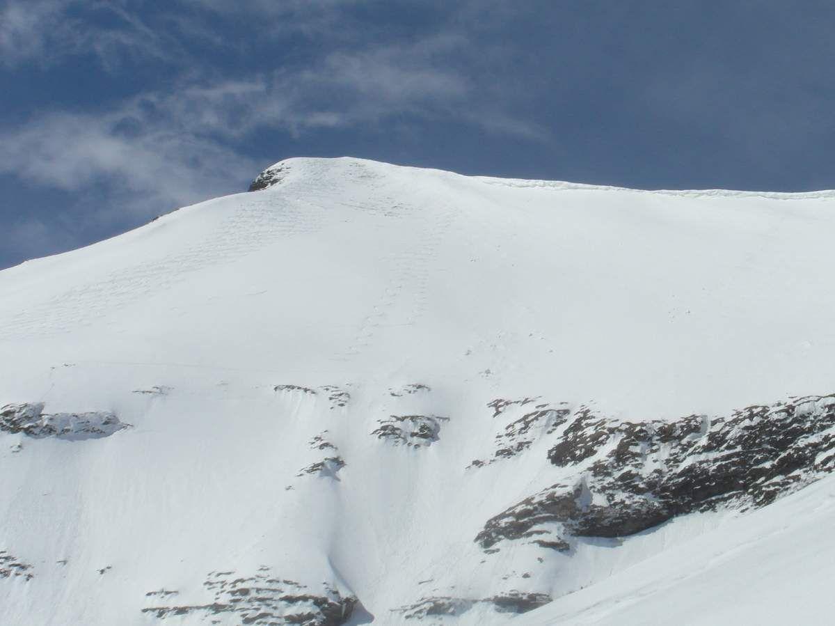 Ma trace au milieu (2 autres skieurs la suivront quelques minutes après)