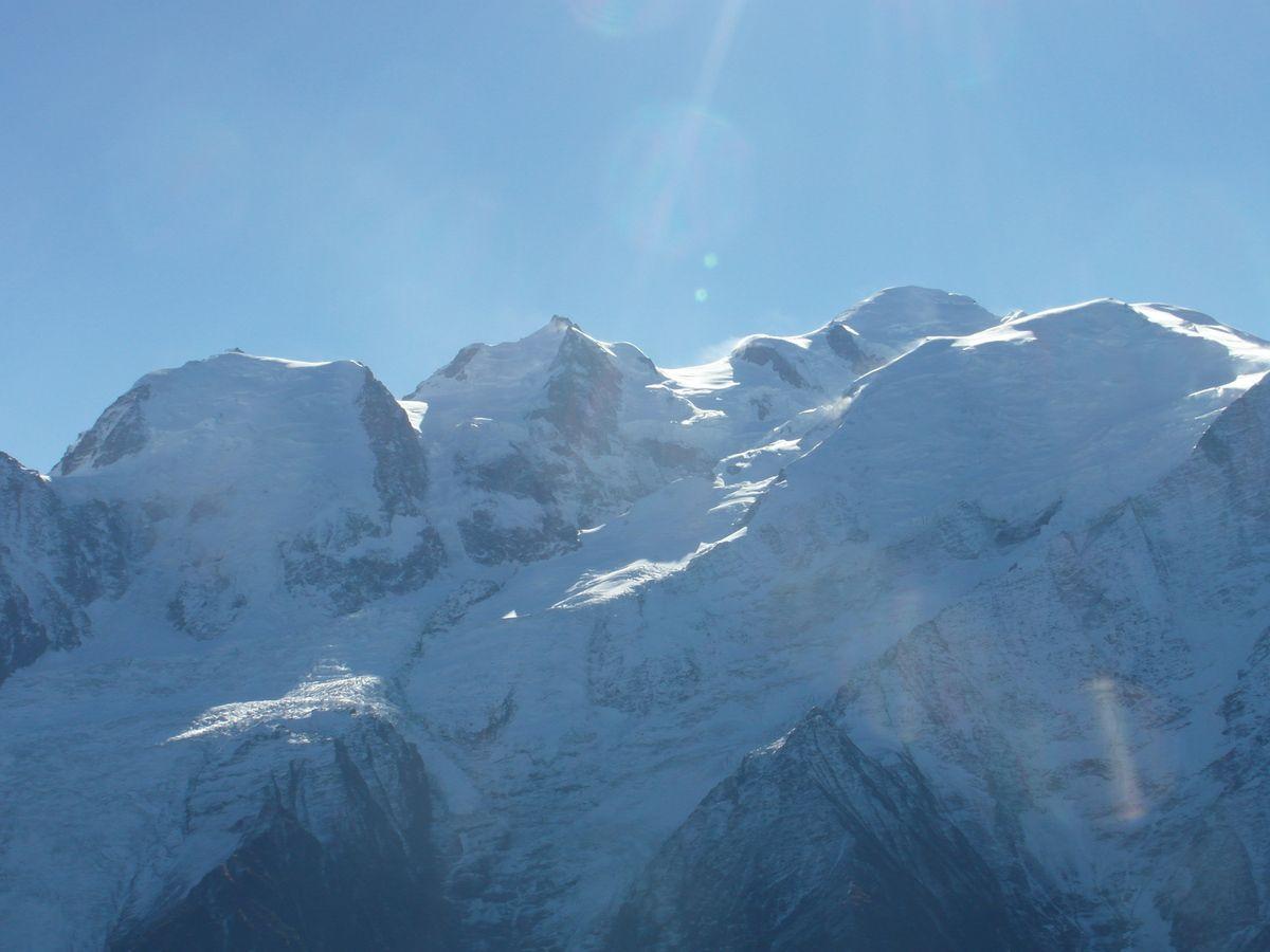 Gros vent sur le Mont-Blanc