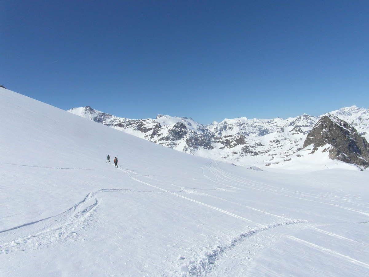 Descente vers les Evettes par le glacier du grand Méan