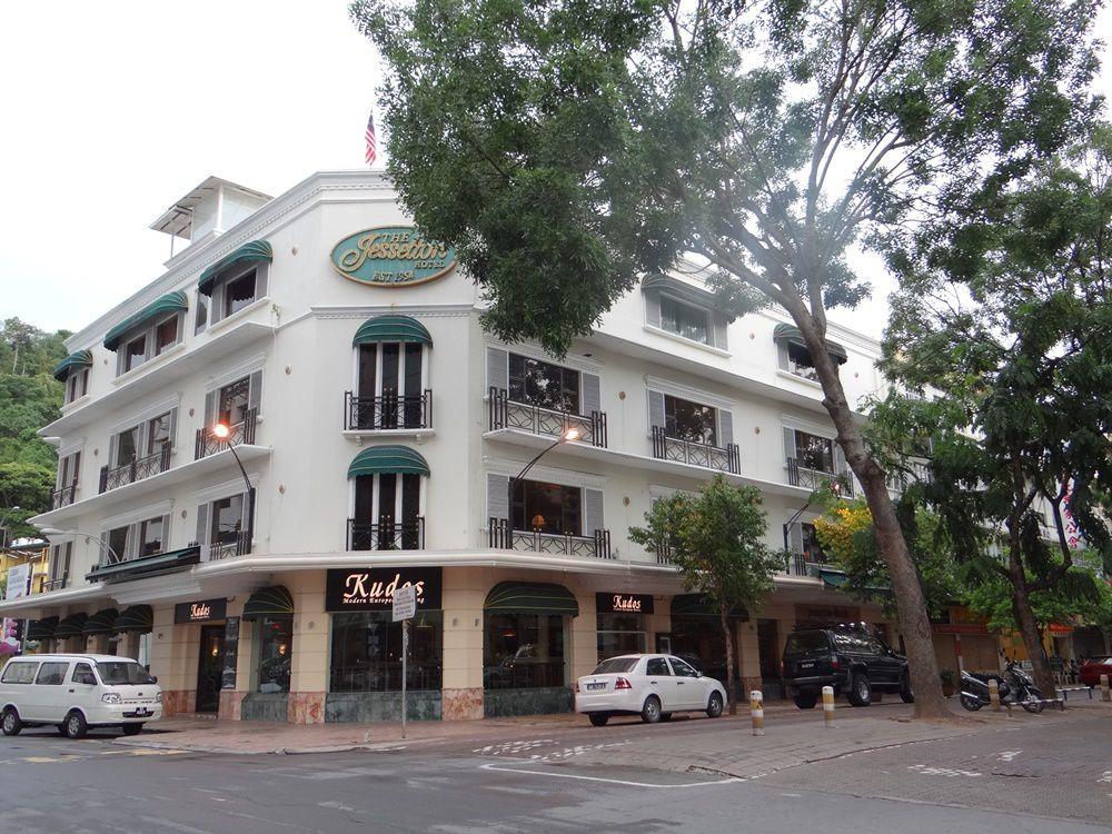 Bâti en 1954 le long de Gaya Street, l'hôtel Jesselton est le plus ancien de la ville
