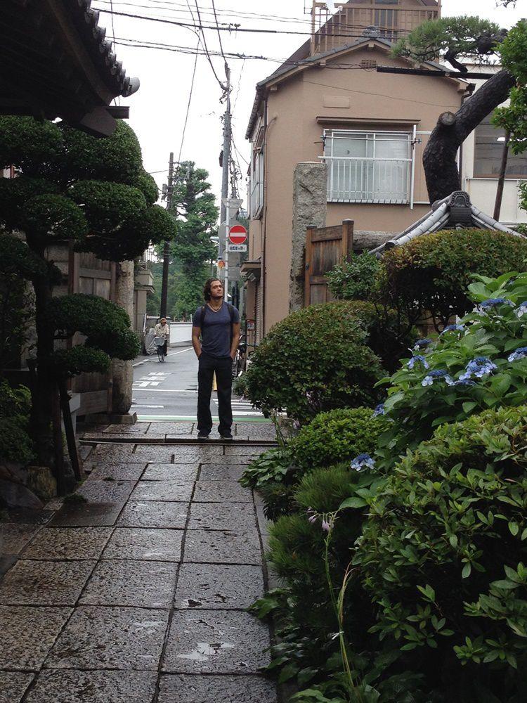 Dans une allée du Chōan-ji, un temple de la secte Rinzai
