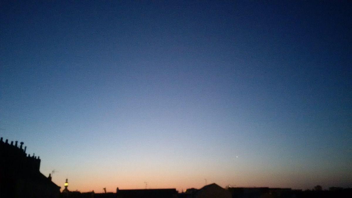 Lever de soleil du 19/06/2014 - Nantes 05:15 AM - BlackBerry Z30
