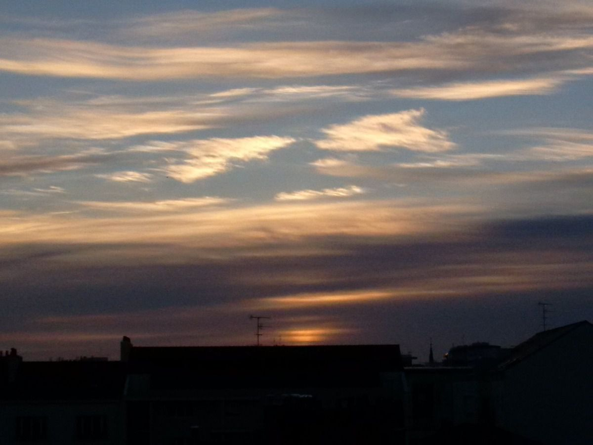 Strange Sky 07/07/2014 - Nantes 06:34 AM - BlackBerry Z30