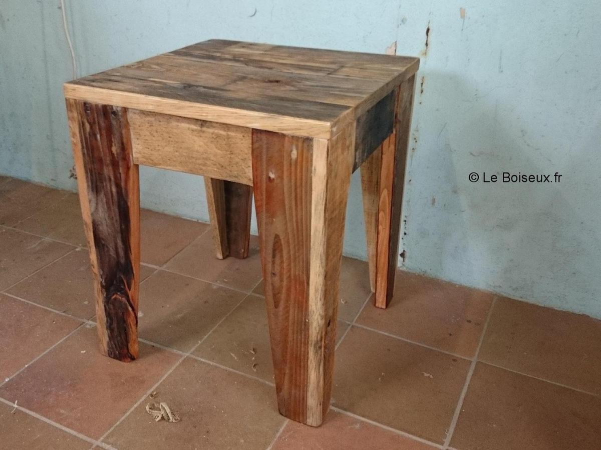 bout de canap artisanal en bois recycl plateaux de table en bois recycl sur mesure. Black Bedroom Furniture Sets. Home Design Ideas