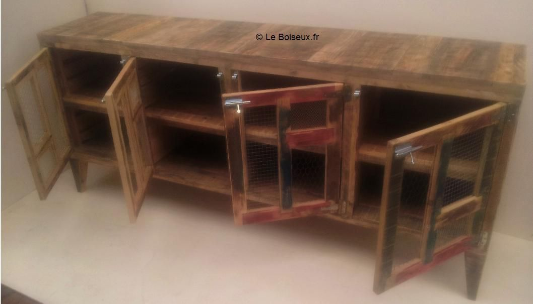grand vaisselier bois recycl grillage de poule plateaux de table en bois recycl sur mesure. Black Bedroom Furniture Sets. Home Design Ideas