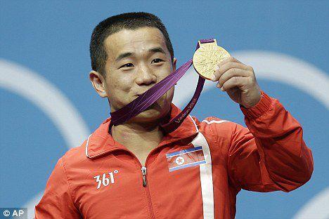 L'haltérophile Om Yun-chol, médaillé d'or aux Jeux olympiques de Londres