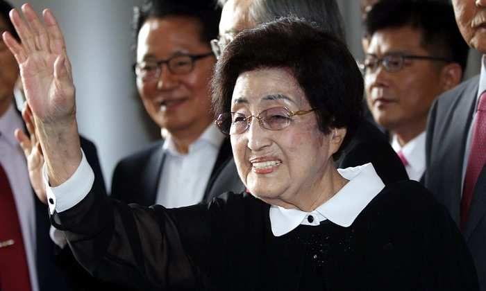 Mme Lee Hee-ho