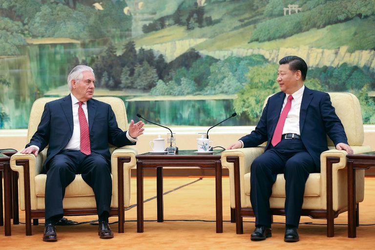 Rencontre entre Rex Tillerson et Xi Jinping au Palais de l'Assemblée du Peuple, à Pékin, le 19 mars 2017.