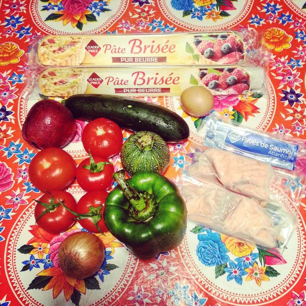 Une tourte au saumon et aux légumes du soleil: je vous donne la recette dans un prochain article.