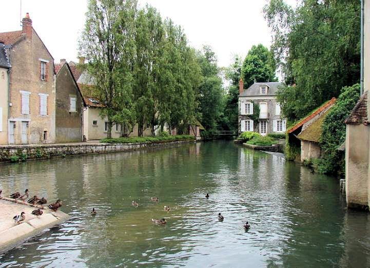 Le Village de Donzy dans la Nièvre !