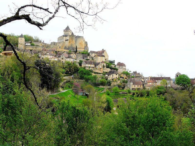 Le Village de Castelnaud la Chapelle en DORDOGNE !