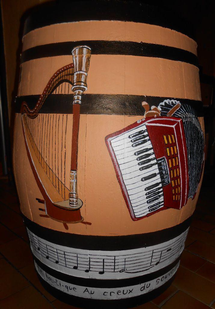 Instruments et 3 petites notes de musique