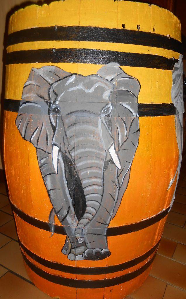 Cinq éléphants