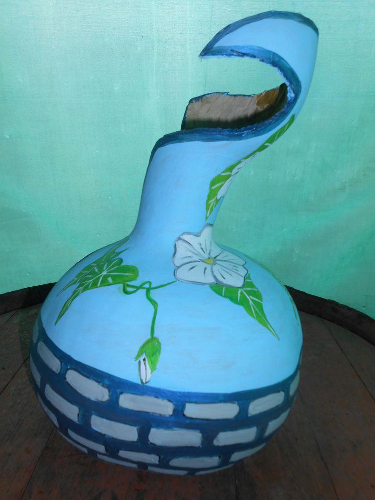 Un vase et du liseron