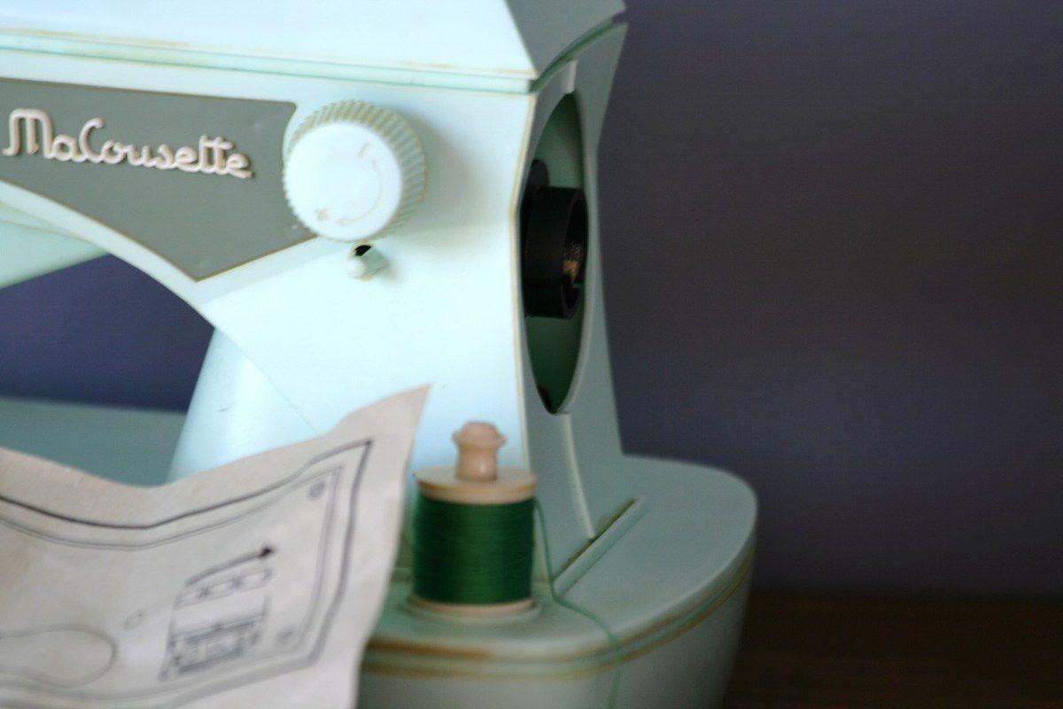 Machine à coudre enfant Macousette Années 70 - Vintage
