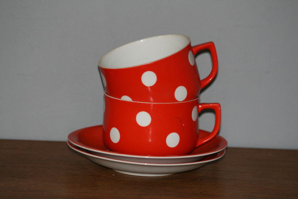 Tasse à déjeuner rouge à Pois Victoria Vintage