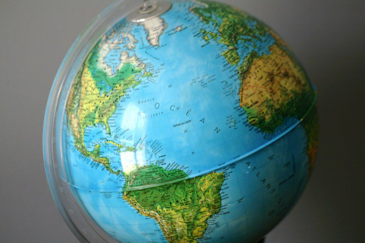 Globe terrestre Lumineux socle marron Années 70 - Vintage