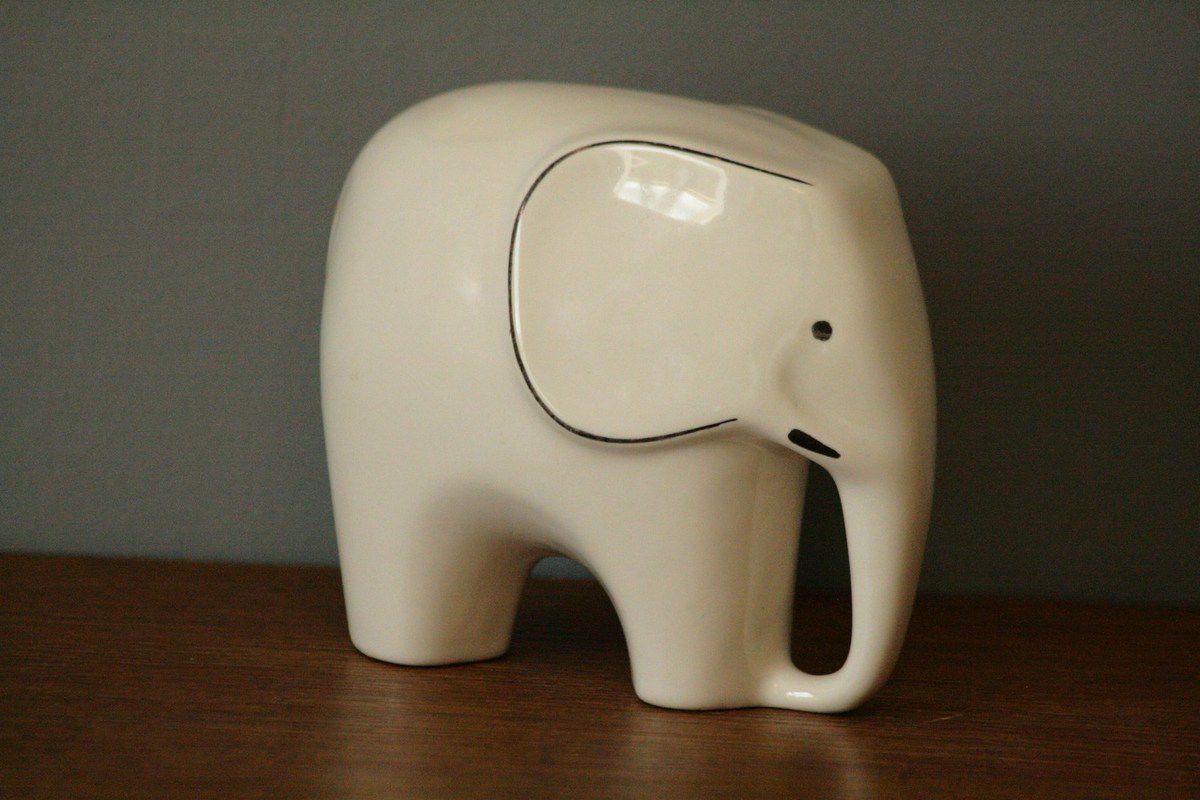 Eléphant en faïence beige Vintage