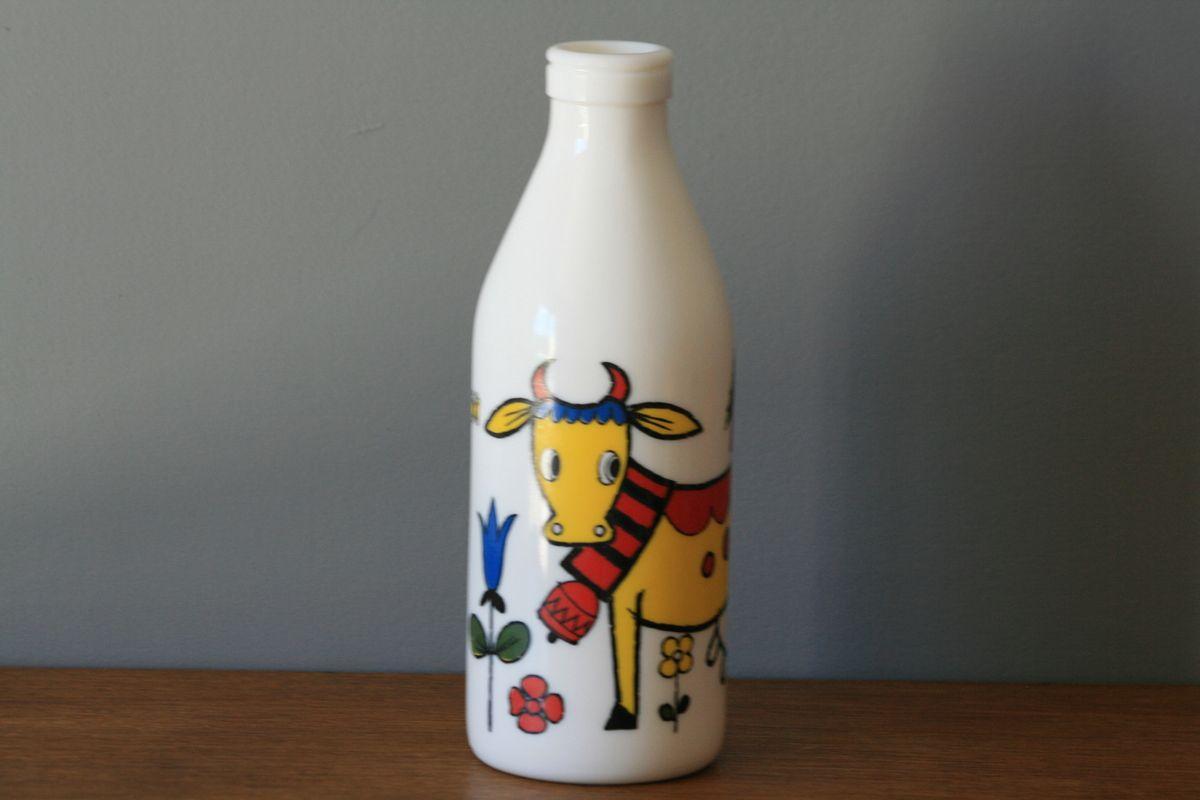 Bouteille de lait en arcopal décor vache Années 70 - Vintage