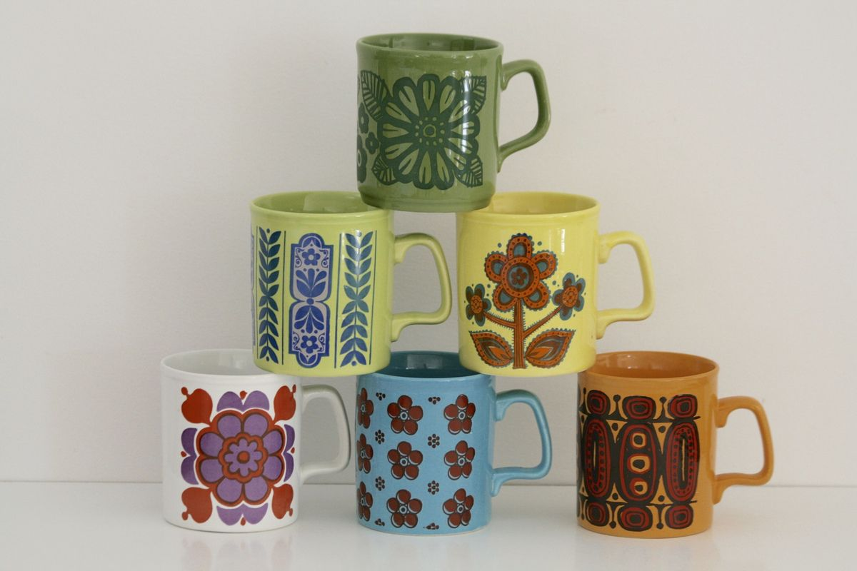 Lot de Mugs Staffordshire  multicolores Années 70 - Vintage