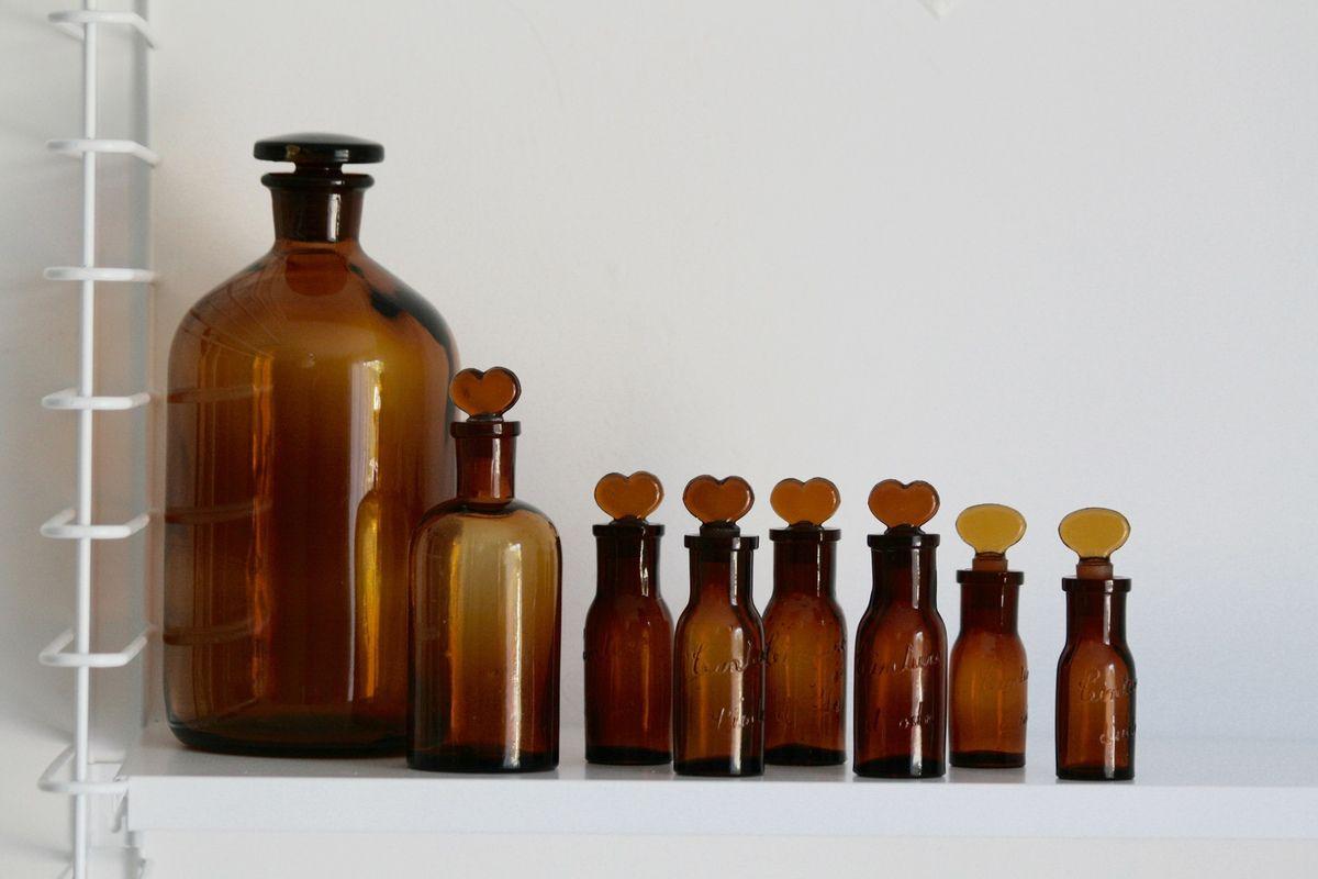 Anciens flacons d'apothicaire de pharmacie Vintage
