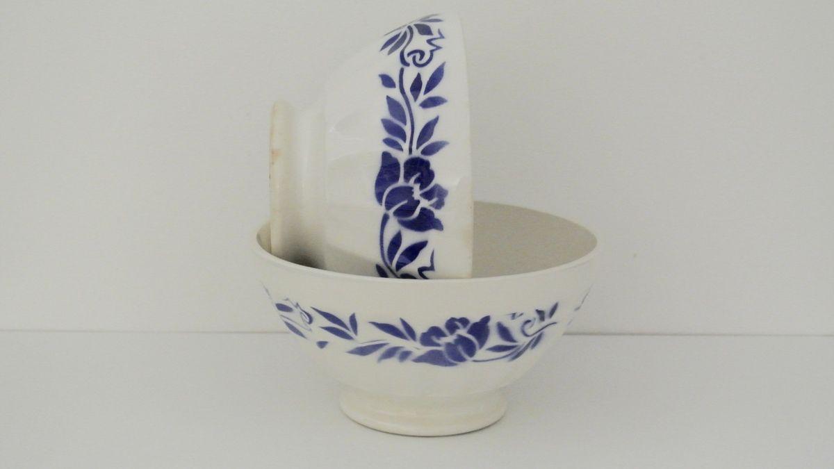 Gros Bol ancien décor fleur bleue Années 60 - Vintage