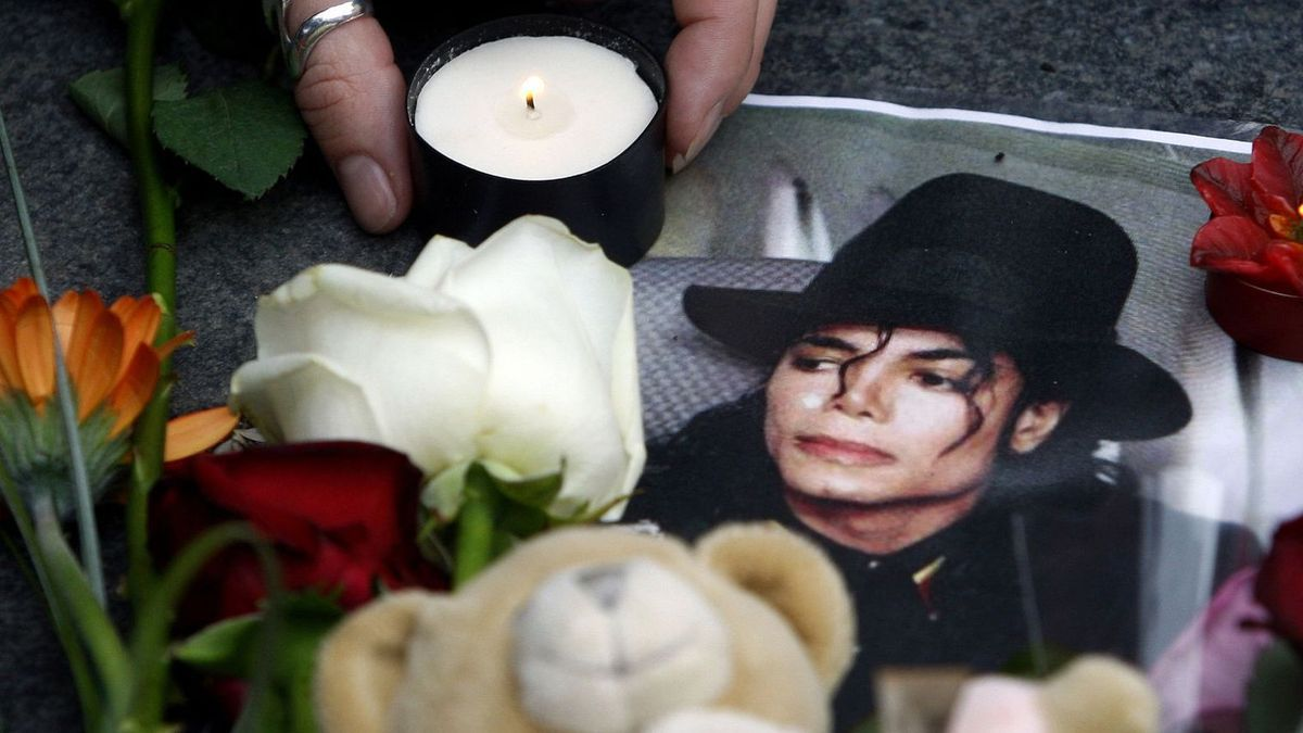 Michael Jackson, the King of Pop, is dead !
