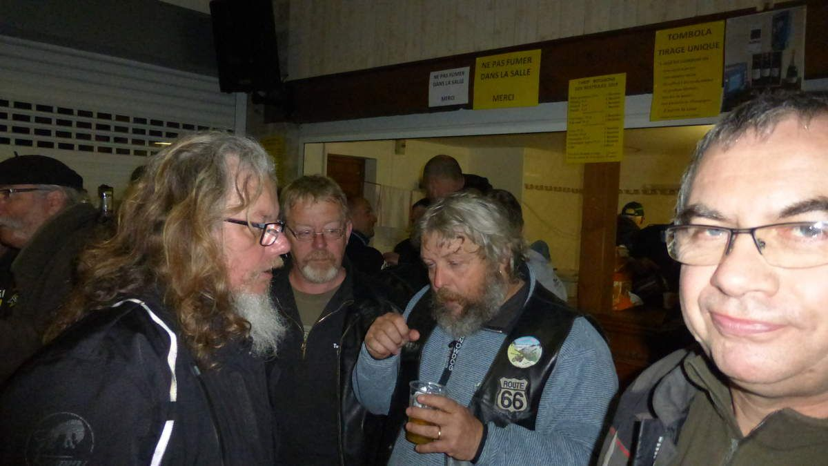 Avec le beret Jaky des Culs tannés, acen compagnie des copains de MC.