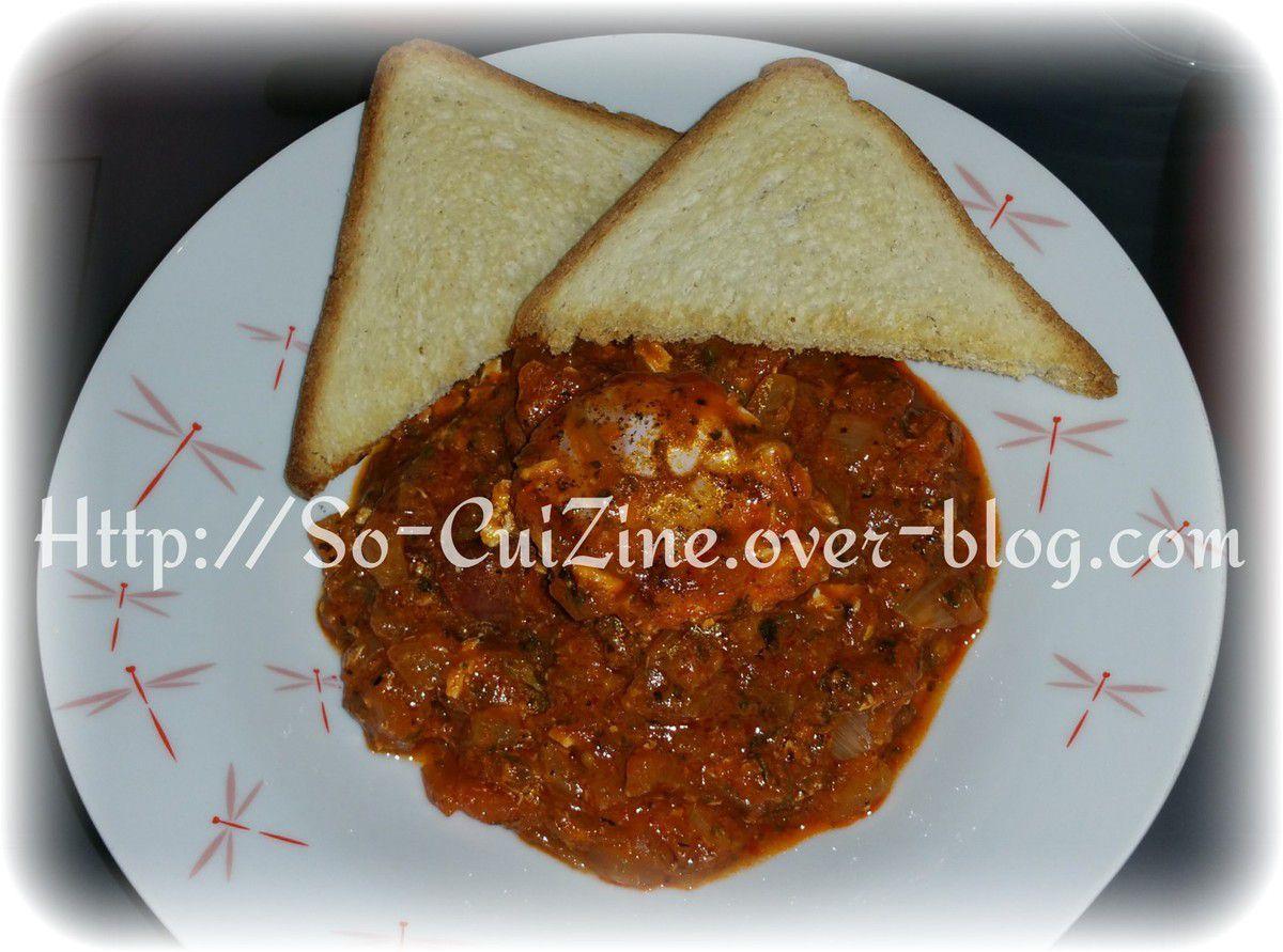 Compoté d'oignons à la tomate épicé et morceaux de merguez aux éclats d oeufs