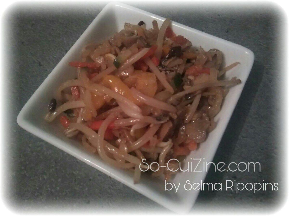 Pousses de soja sautées aux légumes by Selma Ripopins