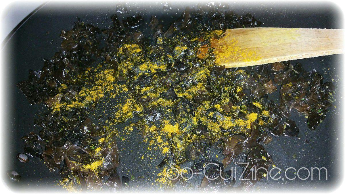 Brouillade d'oeufs crémeux aux champignons noirs