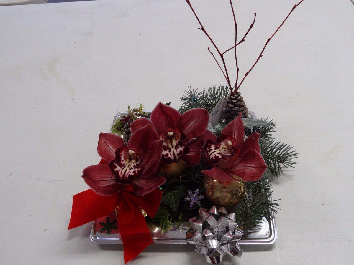 Composition florale de no l plaisirs de cr er - Decoration florale noel ...