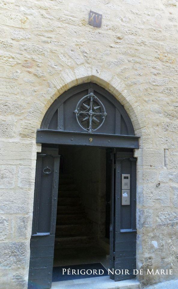 Excepté la photo de l'église de Sainte Marie, toute les photos sont du Périgord Noir de Marie