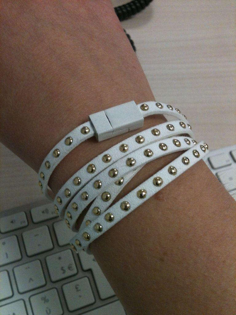 Créa d'un bracelet avec juste un lien en cuir et un fermoir