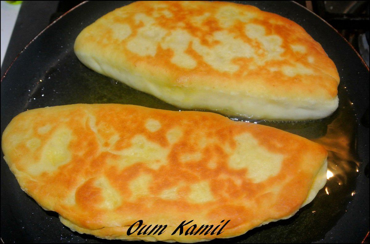 Cheese Naans au Poulet , Oignons &amp&#x3B; fromage