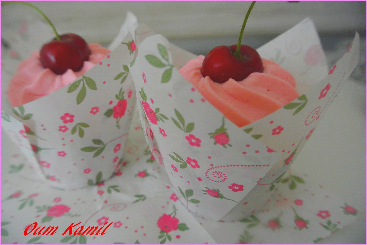 CupCakes Vanille / Fruits rouge .