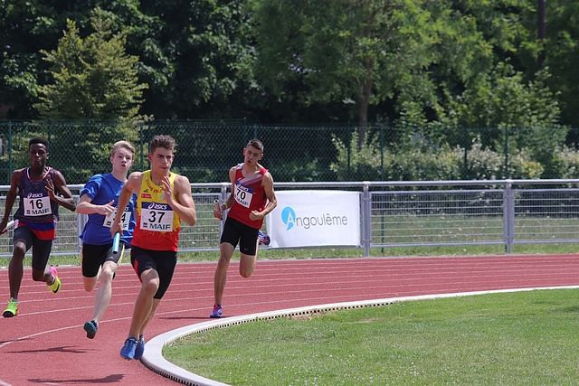 relais  ligues  4 x 200  / photos : Philippe Peccate