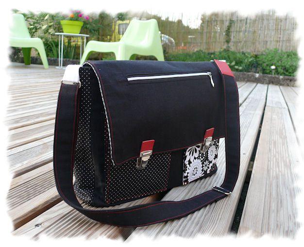 Petit sac Noir Blanc et sa touche de rouge*
