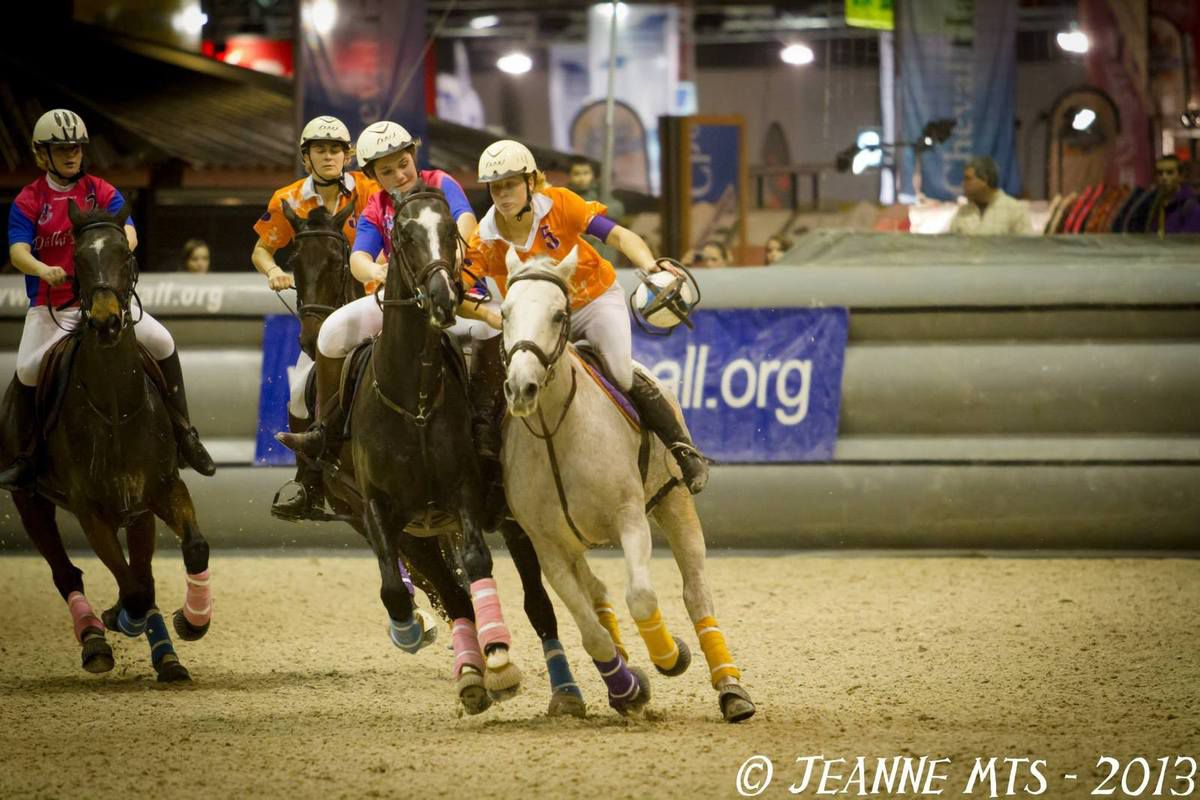 Lisa Bourdon : Le horse ball est une passion
