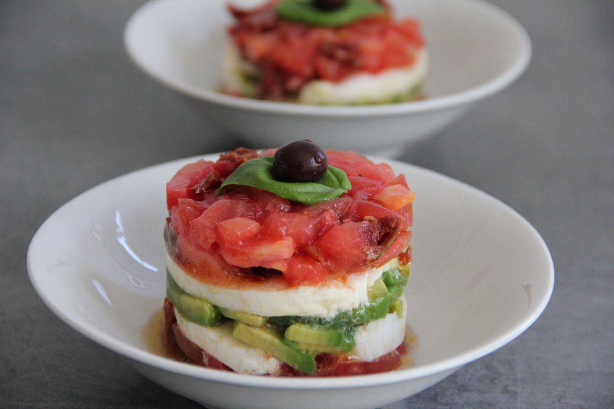 Tartare de tomates en mille-feuilles naturellement sans gluten