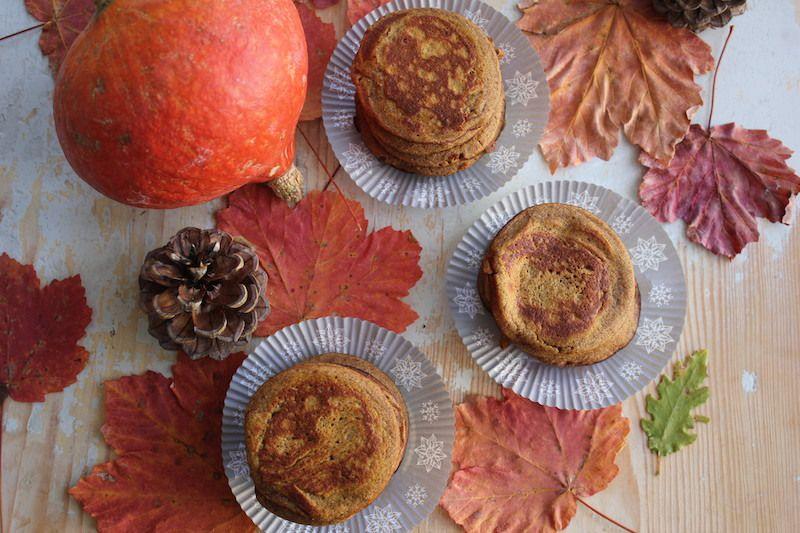 Des pancakes rustiques  à la courge et à la farine de châtaigne pour fêter Haloween