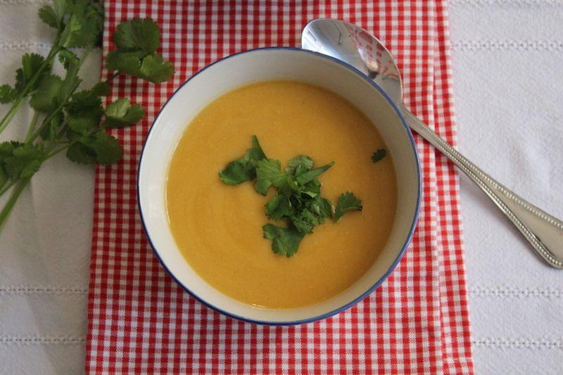 Soupe de courge Butternut , lentilles corail aux épices
