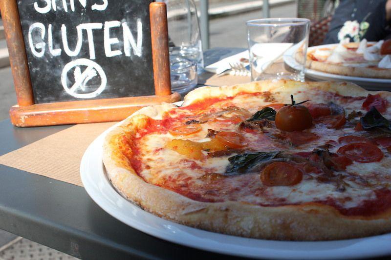 Nos pizzas: une Niçoise et une quatre fromage