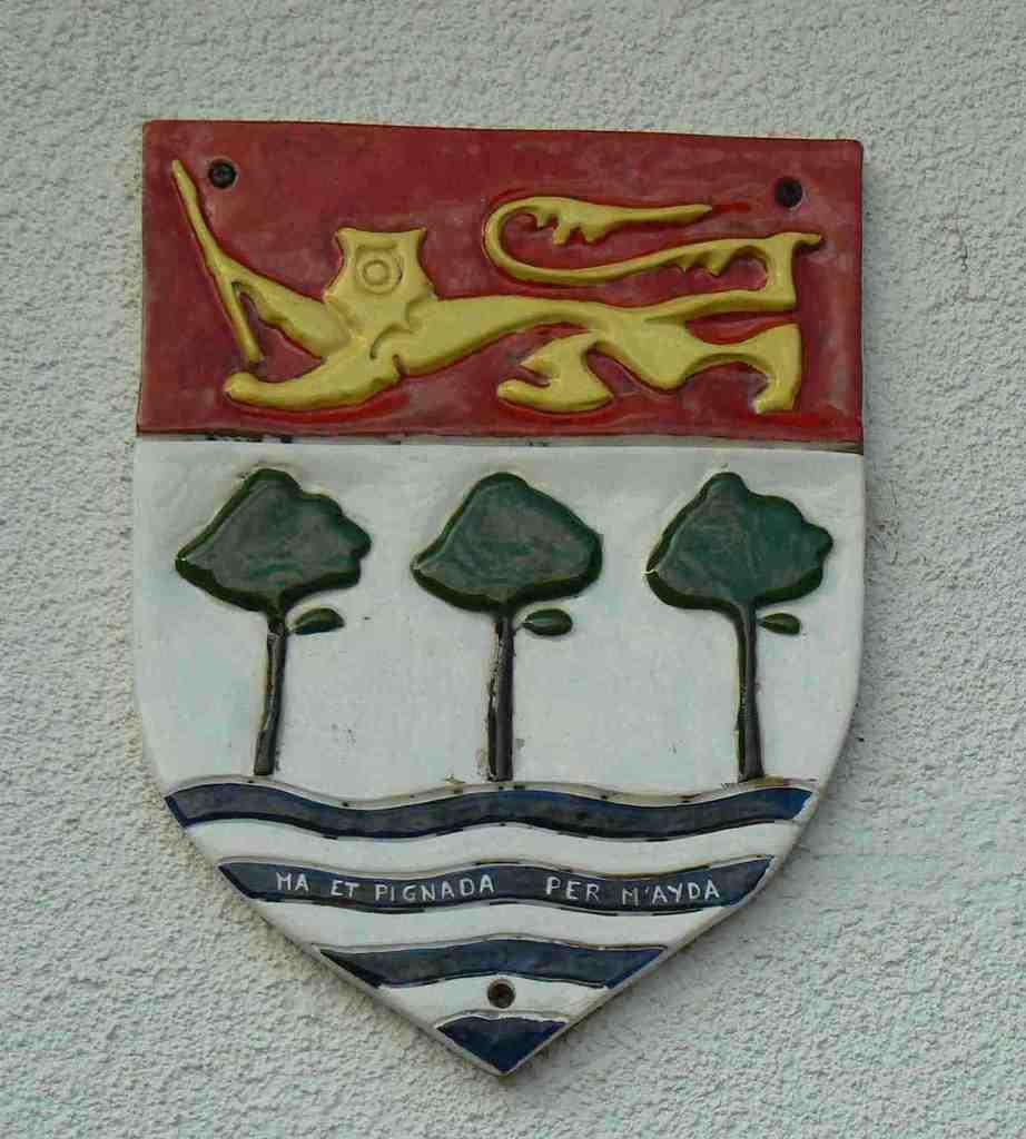 Les armoiries d'Anglet, siège de l'association.réalisées en céramique par Christiane